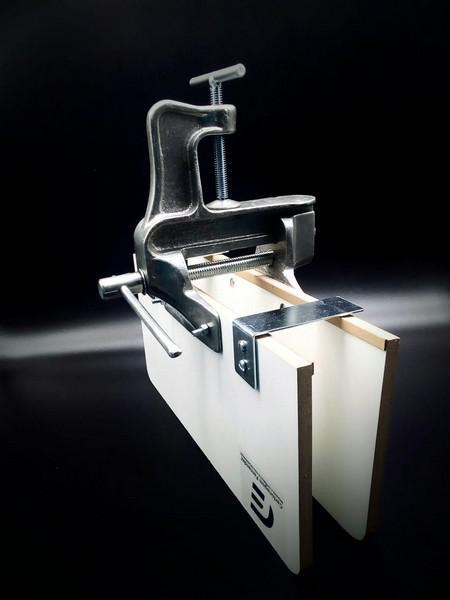 Máquina para encadernar capa dura